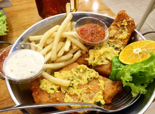 Foto 3 - Makanan di Fish & Cheap oleh Mitha Komala