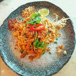 Foto 5 - Makanan(stir fried fried noodle) di Santhai oleh duocicip