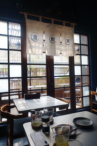 Foto 11 - Interior di Yabai Izakaya oleh iminggie
