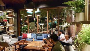 Foto 6 - Interior di Six Ounces Coffee oleh Lid wen