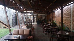 Foto 2 - Interior di Haben Kedai Kopi oleh Chris Chan