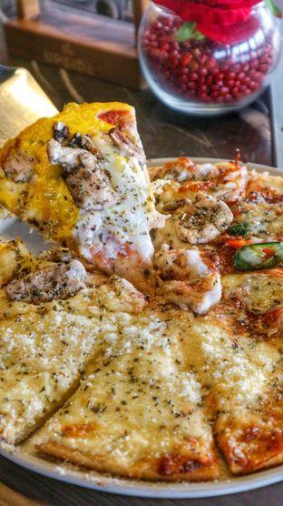 Foto 10 - Makanan di The Upside oleh heiyika