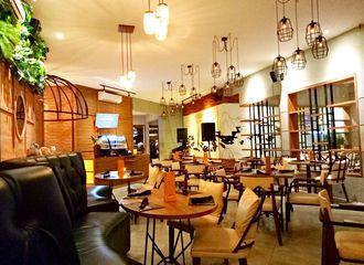 8 Cafe di Surabaya Untuk Rayakan Malam Tahun Baru Bersama Teman