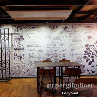 Foto 10 - Interior di Kopi Boutique oleh Ladyonaf @placetogoandeat
