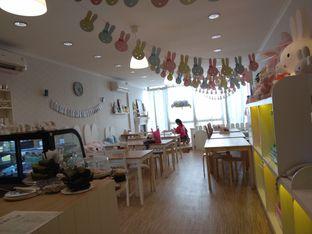 Foto 3 - Interior di MyBunBun Rabbit Cafe oleh Cantika | IGFOODLER