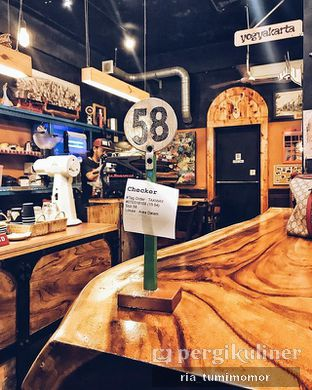 Foto 2 - Interior di Giyanti Coffee Roastery oleh Ria Tumimomor IG: @riamrt