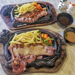 Foto review Djakarta's Steak oleh Stellachubby  8