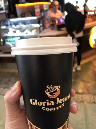 Foto 2 - Makanan di Gloria Jean's Coffees oleh Oswin Liandow