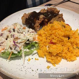 Foto 3 - Makanan(scrumptious chicken black pepper with rice) di Fish & Co. oleh Merry Lee