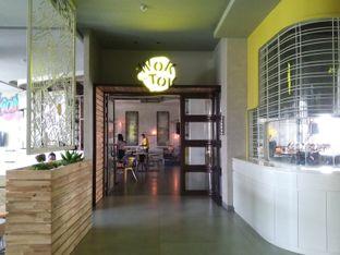 Foto 3 - Interior di Wok 'N' Tok - Yello Hotel Jemursari Surabaya oleh Rahmah Usman
