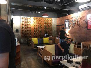 Foto 6 - Interior di Kayuh Clubhouse oleh Icong