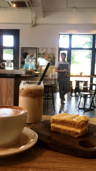Foto 6 - Makanan di Crematology Coffee Roasters oleh Prido ZH