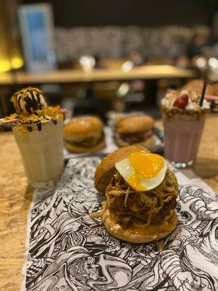 Foto 7 - Makanan di Lawless Burgerbar oleh Levina JV (IG : @levina_eat & @levinajv)