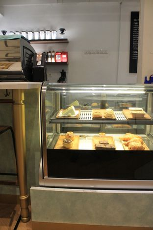 Foto review Living-Room Coffeehouse oleh Prido ZH 14