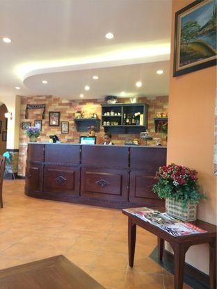 Foto 2 - Interior di Signora Pasta oleh katakaya