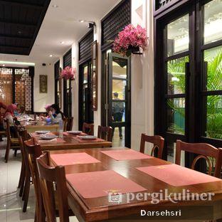 Foto 11 - Interior di Jittlada Restaurant oleh Darsehsri Handayani