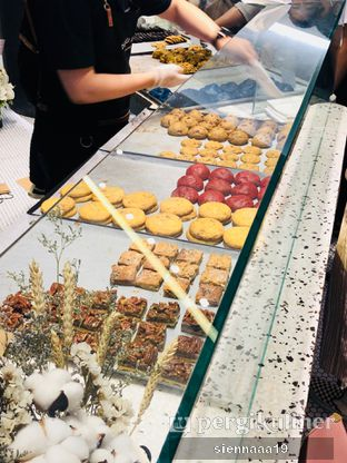 Foto 2 - Makanan(cookies display) di Dough Lab oleh Sienna Paramitha