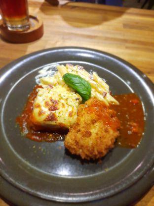 Foto 5 - Makanan di One Eighty Coffee and Music oleh Fatirrahmah Nandika