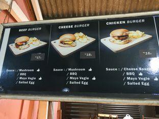 Foto review Abujay Burger and Grill oleh iqiu Rifqi 10