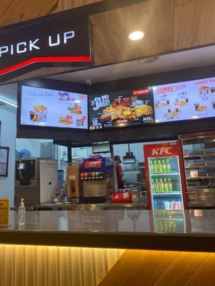 Foto 1 - Interior di KFC oleh @Perutmelars Andri