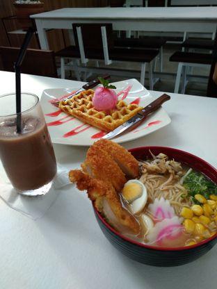 Foto - Makanan di Kafetaria oleh deilestari92_gmail_com