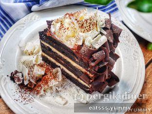 Foto 9 - Makanan(Rich Chocolate Cake) di Kopi Kitchen oleh Yummy Eats