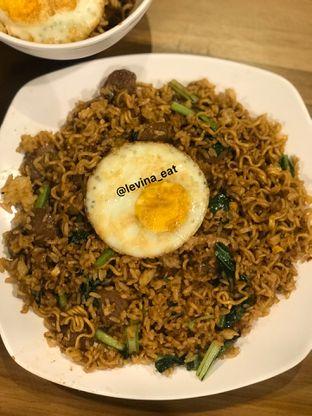 Foto 9 - Makanan(Indomie Goreng Mawut Magelangan Dengan Telor) di Upnormal Coffee Roasters oleh Levina JV (IG : levina_eat )