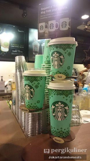 Foto 1 - Interior di Starbucks Coffee oleh Jakartarandomeats