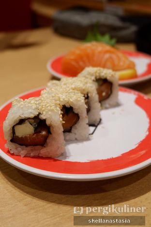 Foto 4 - Makanan(Salmon Cream Cheese Roll) di Genki Sushi oleh Shella Anastasia