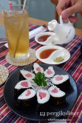 Foto 4 - Makanan(Tuna Roll) di Baiza Sushi oleh Shella Anastasia