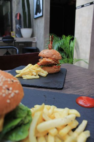 Foto review Dope Burger & Co. oleh Prido ZH 42