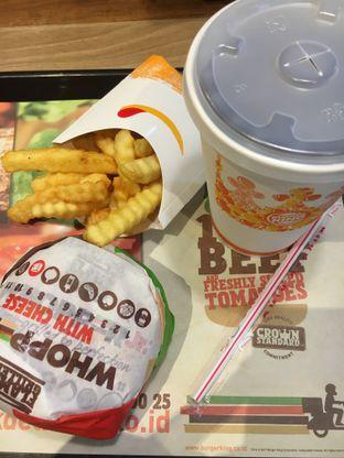 Foto - Makanan(Whopper Junior) di Burger King oleh Fadhlur Rohman