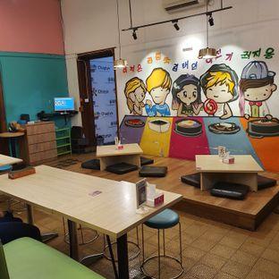 Foto 6 - Interior di Chingu Korean Fan Cafe oleh BiBu Channel