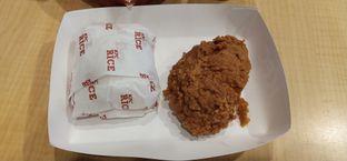 Foto 3 - Makanan di KFC oleh Pinasthi K. Widhi