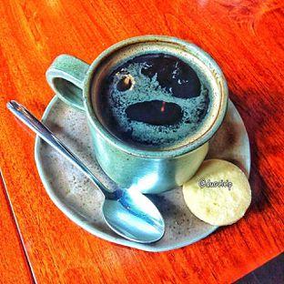 Foto 1 - Makanan(Caffe americano ) di Convivium oleh duocicip