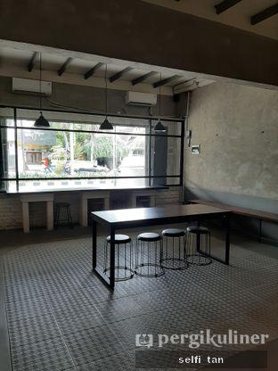 Foto review Blackswan Coffee House oleh Selfi Tan 6