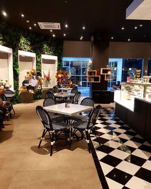 Foto 8 - Interior di Danora Chocolate Factory oleh denise elysia