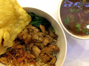 Foto 1 - Makanan(Bakmi Ayam Pangsit) di Chop Buntut Cak Yo oleh Didit