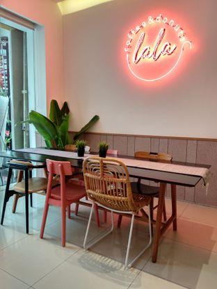 Foto 6 - Interior di Lala Coffee & Donuts oleh Ika Nurhayati