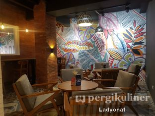 Foto 9 - Interior di Brouwen Coffee & Kitchen oleh Ladyonaf @placetogoandeat