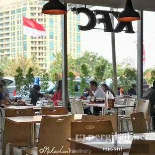 Foto 2 - Eksterior(Bagian outdoor di balik pintu kaca) di KFC oleh Andriani Wiria