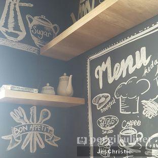 Foto 5 - Interior di Kedai Kopi Tjan oleh JC Wen