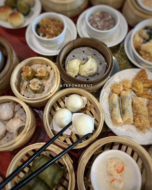 Foto 2 - Makanan di Grand City - Merlynn Park Hotel oleh Tepok perut