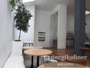 Foto 4 - Interior di The Neighbors Cafe oleh Prita Hayuning Dias