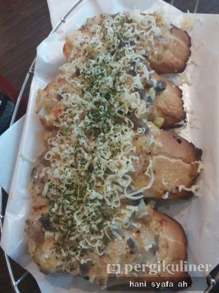 Foto 3 - Makanan(Deluxe Tuna Bruschetta) di Pizza Hut oleh Hani Syafa'ah