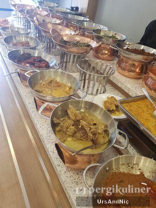 Foto 6 - Makanan di Nasi Kapau Uni Nailah oleh UrsAndNic