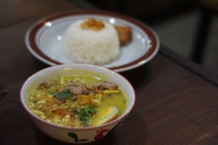 Foto 3 - Makanan(Nasi Soto Kwali Pisah) di Warunk Selaras oleh Fadhlur Rohman
