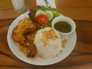 Foto 1 - Makanan(Ayam goreng kremes) di The H Cafe oleh Fika Sutanto