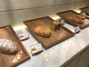 Foto 1 - Interior di Francis Artisan Bakery oleh Michael Wenadi