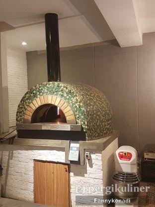 Foto 3 - Interior di Iceberg Pizza & Gelato oleh Fanny Konadi